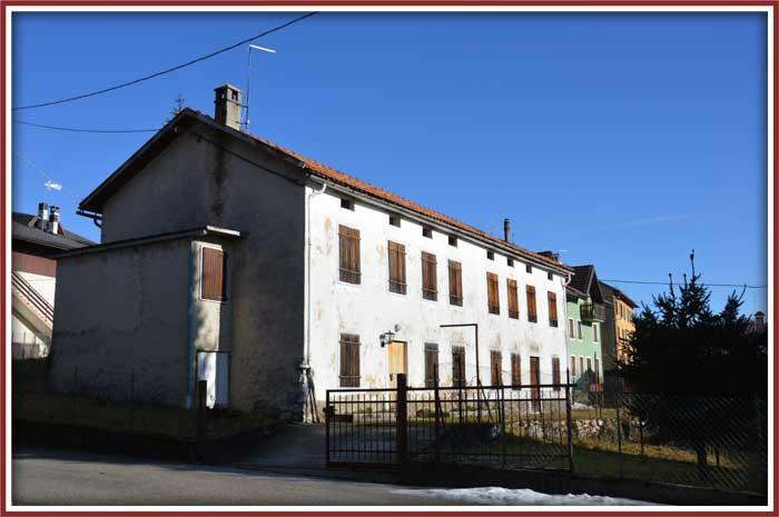 Immobiliare roana terreni e rustici for Ristrutturare case antiche