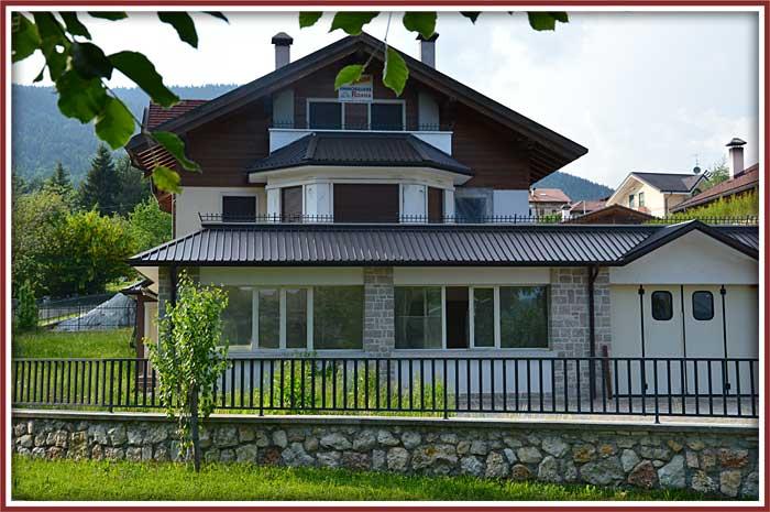 Immobiliare roana attivit commerciali artigianali for Immobiliare roana
